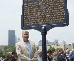Steve Willing, PCHF Co-Chairman unveils marker.