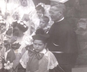 1951 Communicants with Fr. Marian Soric