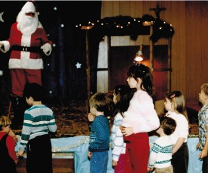 1986 Santa (Bob Sladack) and Parish Children