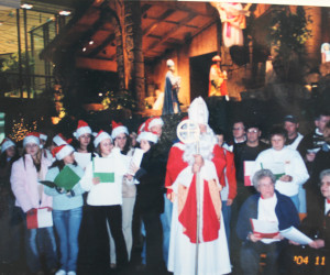2004 St. Nicholas parishioners singing at Creche, Dwtn. Pittsburgh