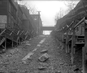 1914 - Rialto St. (Pig Hill) in Troy Hill. Sewer line in the middle of the dirt road. 715.148714.CP **