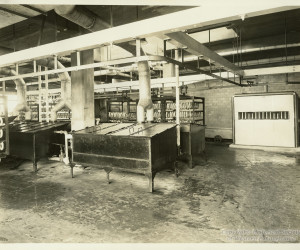 1937 - Sausages at the Pgh. Joint Stock Yard on Herr's Island. MSP80_B002_F07_I03 *
